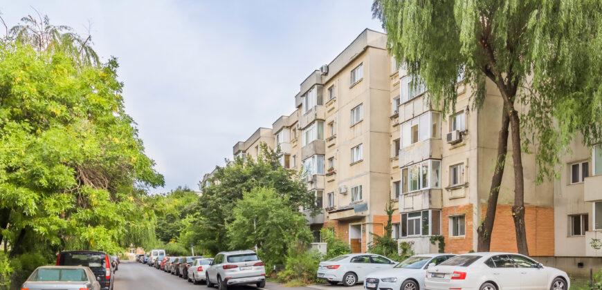 Virtutii- Orsova, apartament 3 camere, decomandat, 78 mp, etaj 3/4